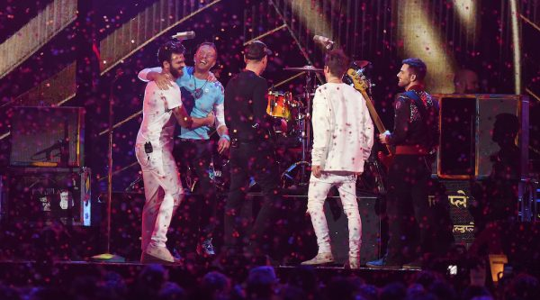 The Chainsmokers publica tema con Coldplay