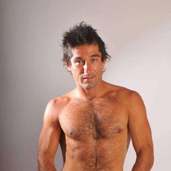 Claudio Iturra: ¿el Bear Grylls chileno o un boyscout de turismo pobreza?